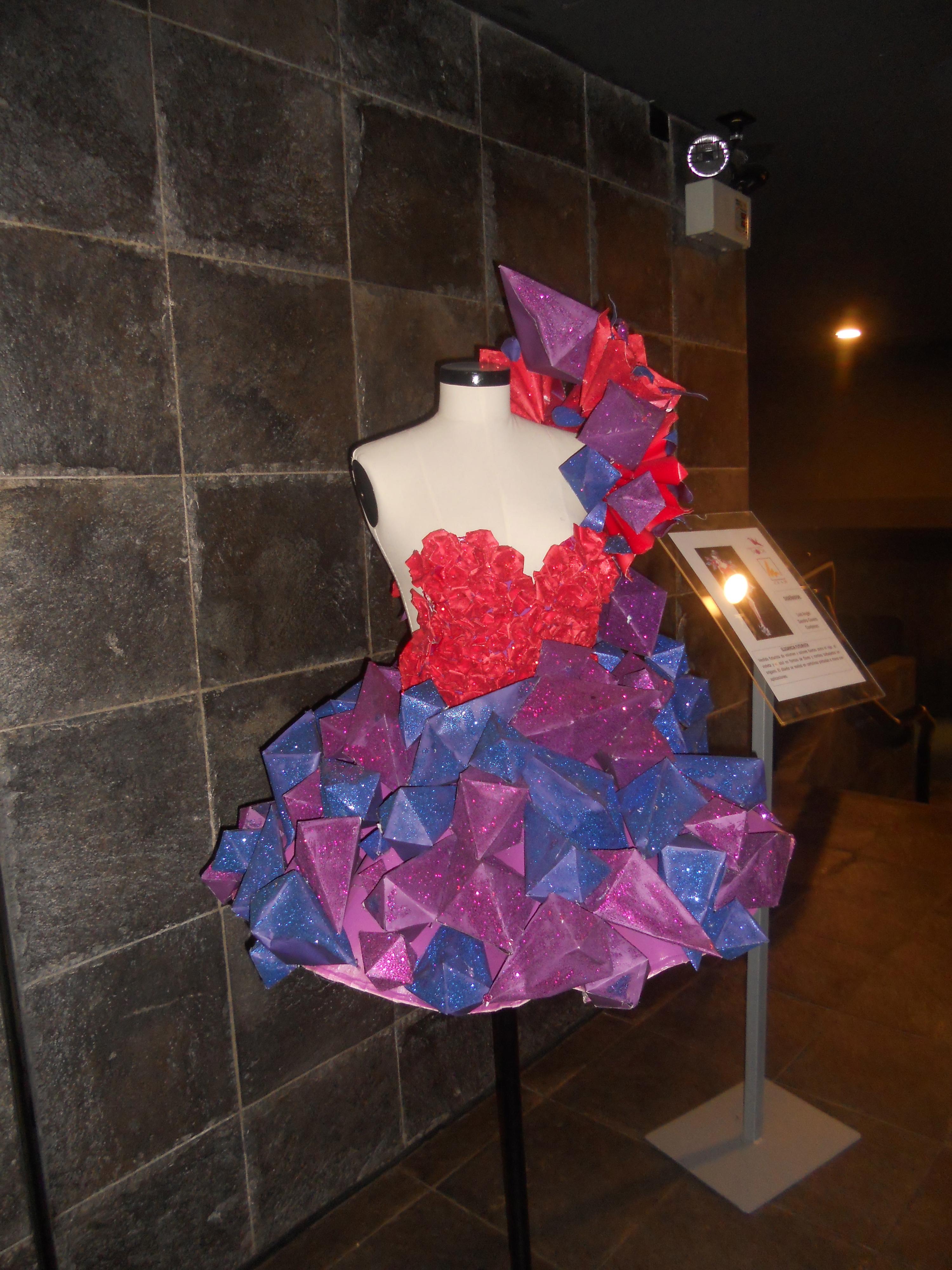 Origami dress getting to know the world origami dress jeuxipadfo Choice Image